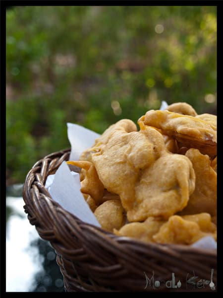 Pakora and Green Chutney Dip #stepbystep #recipe masalaherb.com
