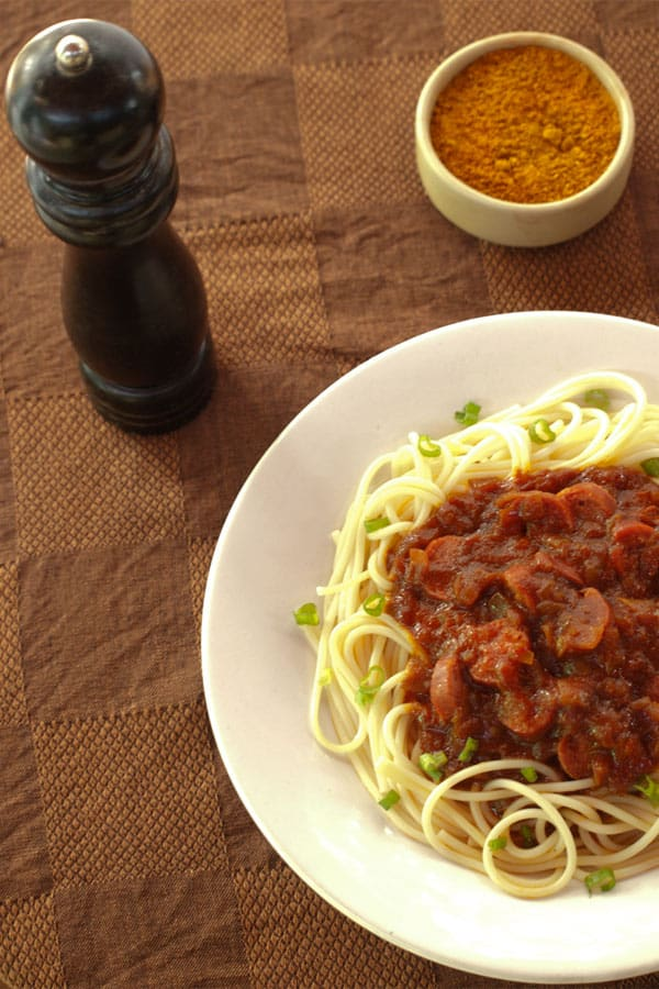 Spaghetti with Currywurst Sauce for #Sundaysupper #stepbystep #recipe masalaherb.com